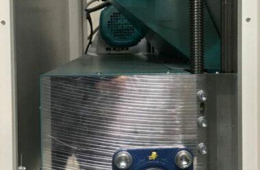 Optionales Reinigungsaggregat am Maschinenauslauf
