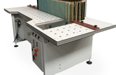 ROBA Duplex with 350 und 400 mm sanding area is often preferred for the sanding of boxes in all dimensions.