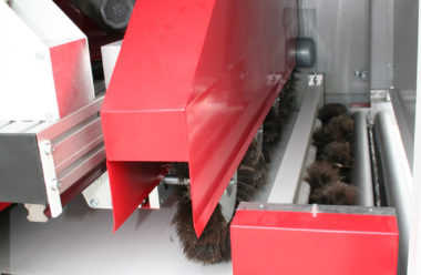 Transverse cleaning unit, optional also from bottom. On demand as brush or belt clean unit deliverable.