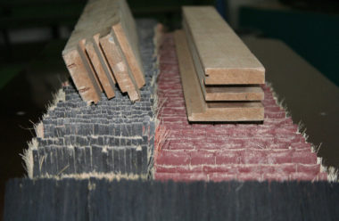 Two different sanding areas: 100 mm and 150 mm for different sanding paper settings