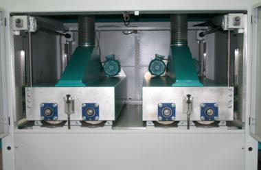 Urządzenie ROBA Profi Clean wyposażone w dwa agregaty szczotek bliźniaczych
