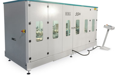 Fully encapsulated machine for secure and dust free operation.