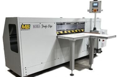 ROBA Profi Edge DB: Maschine mit fahrendem Doppelbürstenaggregat